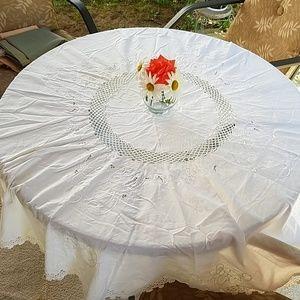 Other - White, round tablecloth.